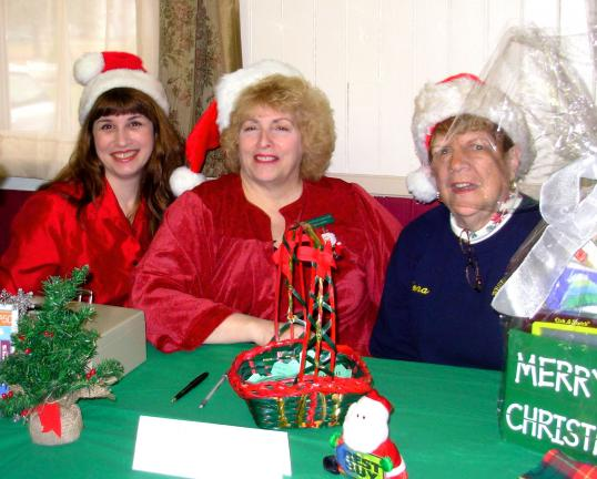ADELE R. ARGOT/SPECIAL TO THE TIMES NEWS Helping make the Western Pocono Lioness Club annual Breakfast with Santa an astounding success were Lioness Elves, from left, Nicole Bartos, Carol Heppa, and Tena Dabour. Members of the Western Pocono Lions…