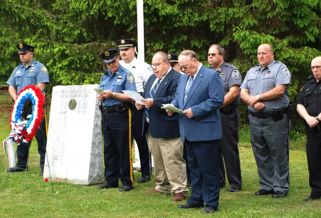 The Pennsylvania Fraternal Order Of Police (FOP) Schuylkill Carbon Lodge 13 held their annual Memorial Service at their lodge located on Owl Creek Road in Tamaqua. The service involved dedication readings, firing detail, prayer, and playing of the…