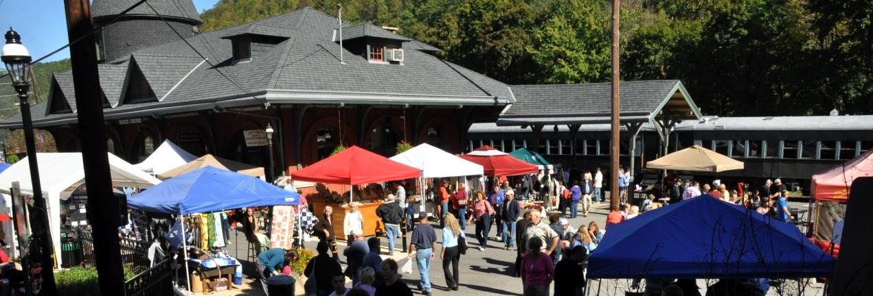 VICTOR IZZO/SPECIAL TO THE TIMES NEWS After a week of extremely rainy weather, brilliant blue skies and bright sunshine greeted the thousands of visitors who traveled to Jim Thorpe for the first of three weekends of the 2010 Fall Foliage Festival,…