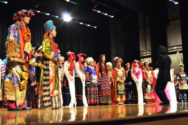 DONALD R. SERFASS/TIMES NEWS Chinese performers break into a grand finale during Thursday's ethnic extravaganza, a performance that prompted two standing ovations and brought down the house before a crowd of 500 at the Tamaqua Area Auditorium.
