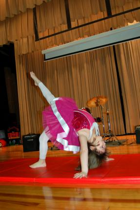 Evelyn Ahner performs a gymnastic routine.