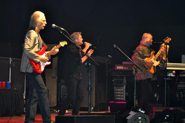 Yes performs at Penn's Peak