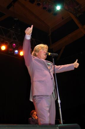 Gail Maholick/TIMES NEWS Peter Noone performs at Penn's Peak on Friday night.