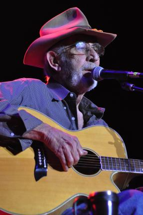 Ron Gower/TIMES NEWS Country singer Don Williams sits during his concert last night at Penn's Peak in Jim Thorpe.