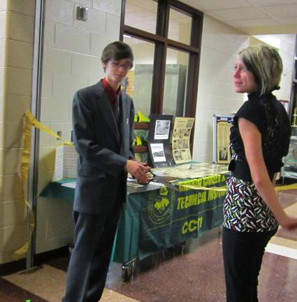 CCTI students Brandon Poole and Trese Markle cut the ribbon