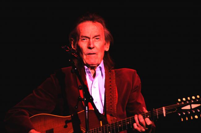 Ron Gower/TIMES NEWS Canadian singer-songwriter Gordon Lightfoot on stage at Penn's Peak in Jim Thorpe, Sunday.