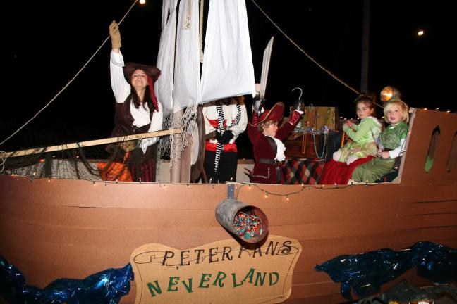 ANDREW LEIBENGUTH/TIMES NEWS The Hehn and McArdle family won second place in the float category for their Neverland theme.