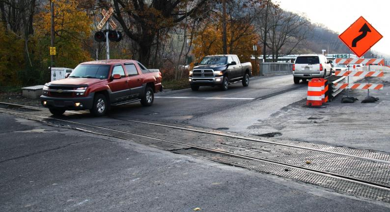 ANDREW LEIBENGUTH/TIMES NEWS PA 309 will be closed and detoured between PA 443 and US 209 from approximately 7 p.m. on Friday, Nov. 18 through 5 a.m. on Monday, Nov. 21 while workers replace this stretch of railroad track.