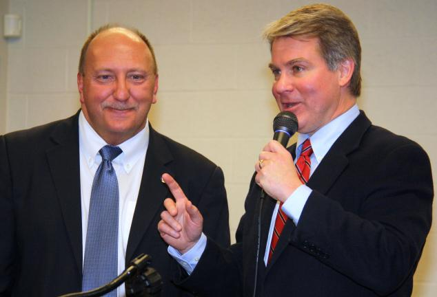 ANDREW LEIBENGUTH/TIMES NEWS Allentown Mayor Ed Pawlowski, left, and Sen. Dave Argall talk about ways of dealing with blight during a two-hour seminar held last night at the LCCC Morgan Campus in Tamaqua.