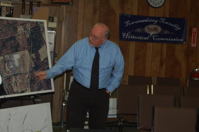 TERRY AHNER/TIMES NEWS R. Steven Dellinger, senior planner, Hanover Engineering Associates, Inc., discusses zoning matters as part of a joint meeting of the Lower Towamensing/Towamensing Township ordinance committee on Monday.