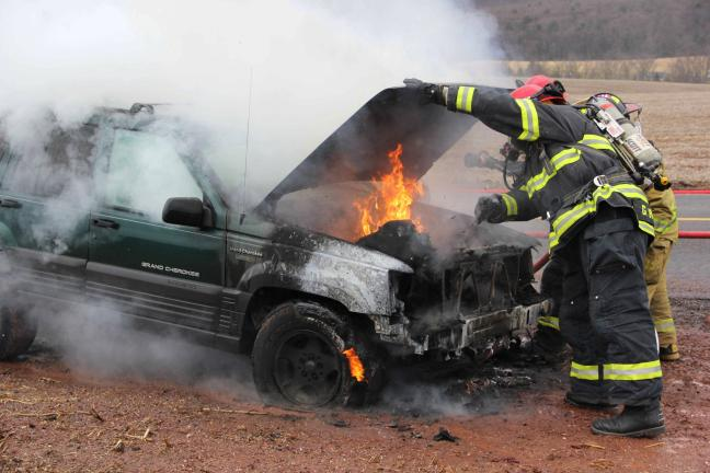Jeep fire in Lewistown Valley