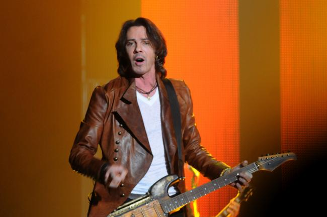 Ron Gower/TIMES NEWS Singer Rick Springfield performs at Penn's Peak in Jim Thorpe.